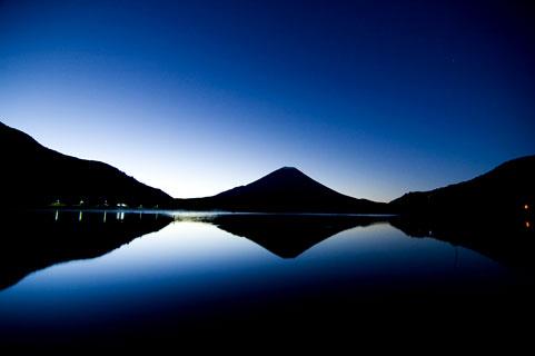 """【夢占い】 富士山の夢は""""大吉夢""""☆富士山が噴火する夢を見たら運命が変わるかも・・・!"""