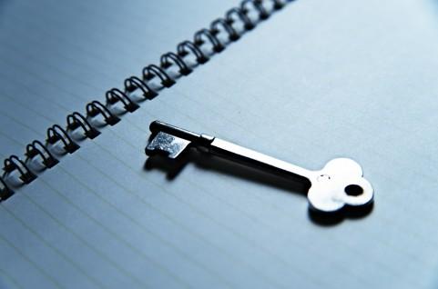 【夢占い】鍵を失くす夢、合鍵をもらう夢などが持つ夢占いの意味は?