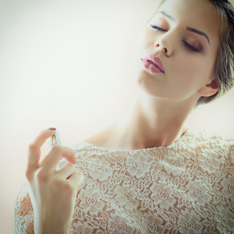 思わず男性が振り返る…♥ふんわり香る女性に人気のボディミスト6選*