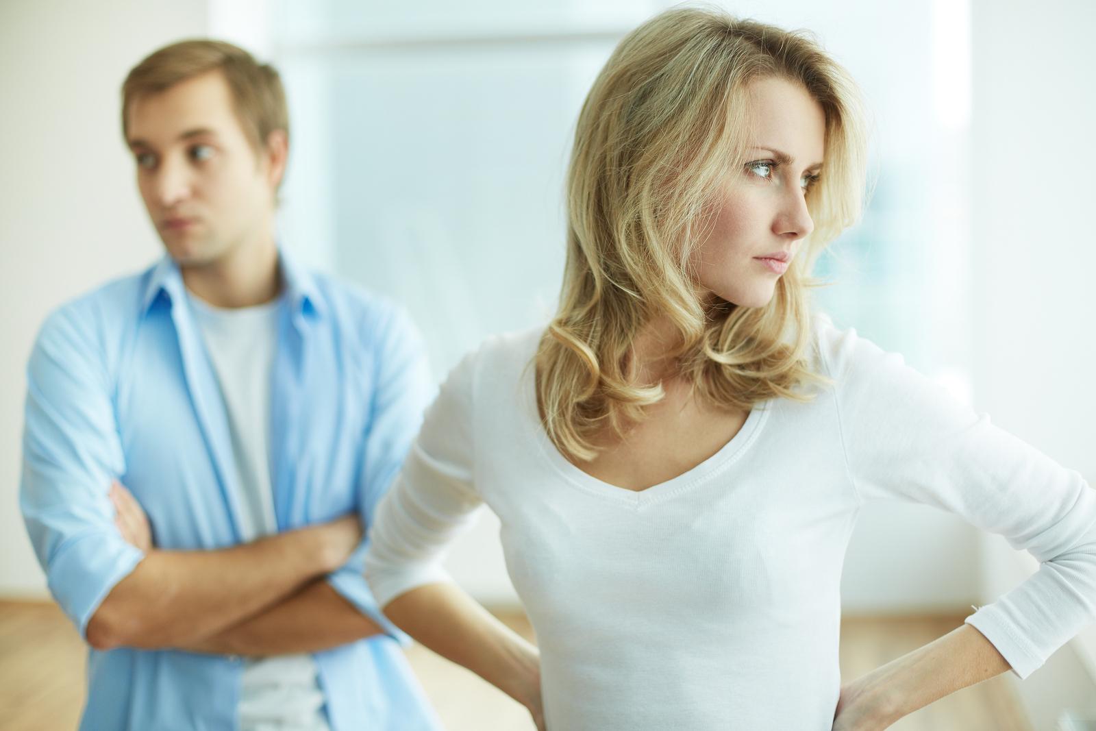 男性から嫌われる女④理屈っぽい女