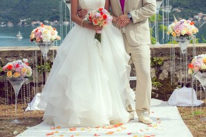 【結婚式の夢占い】ブーケトスの夢は新しい恋の予感