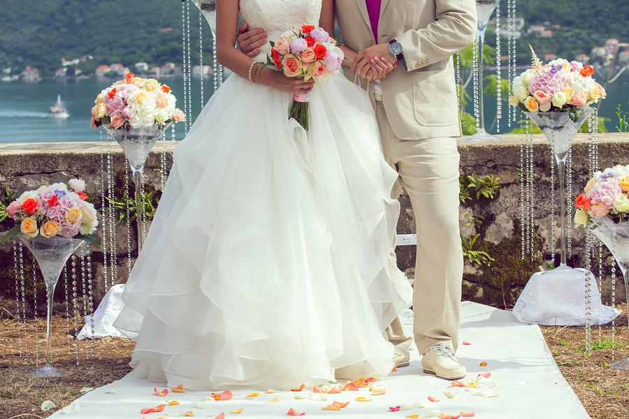 夢占い|結婚式の夢でブーケトスする
