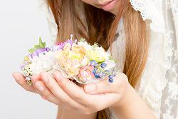 彼氏が彼女に贈るちょっとしたプレゼント ★ 定番のお花
