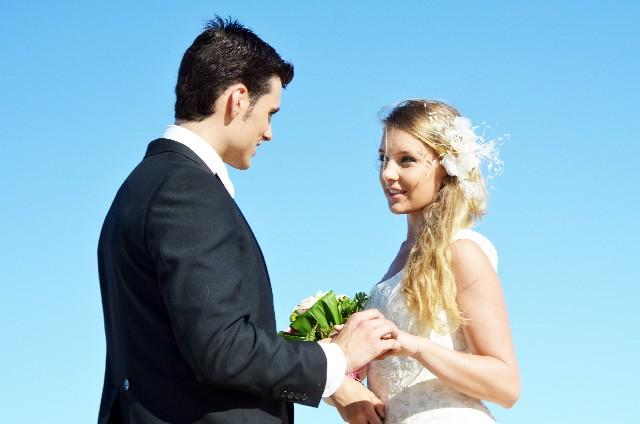 玉の輿を狙え!お金持ちの男性が求める結婚相手の条件とは?