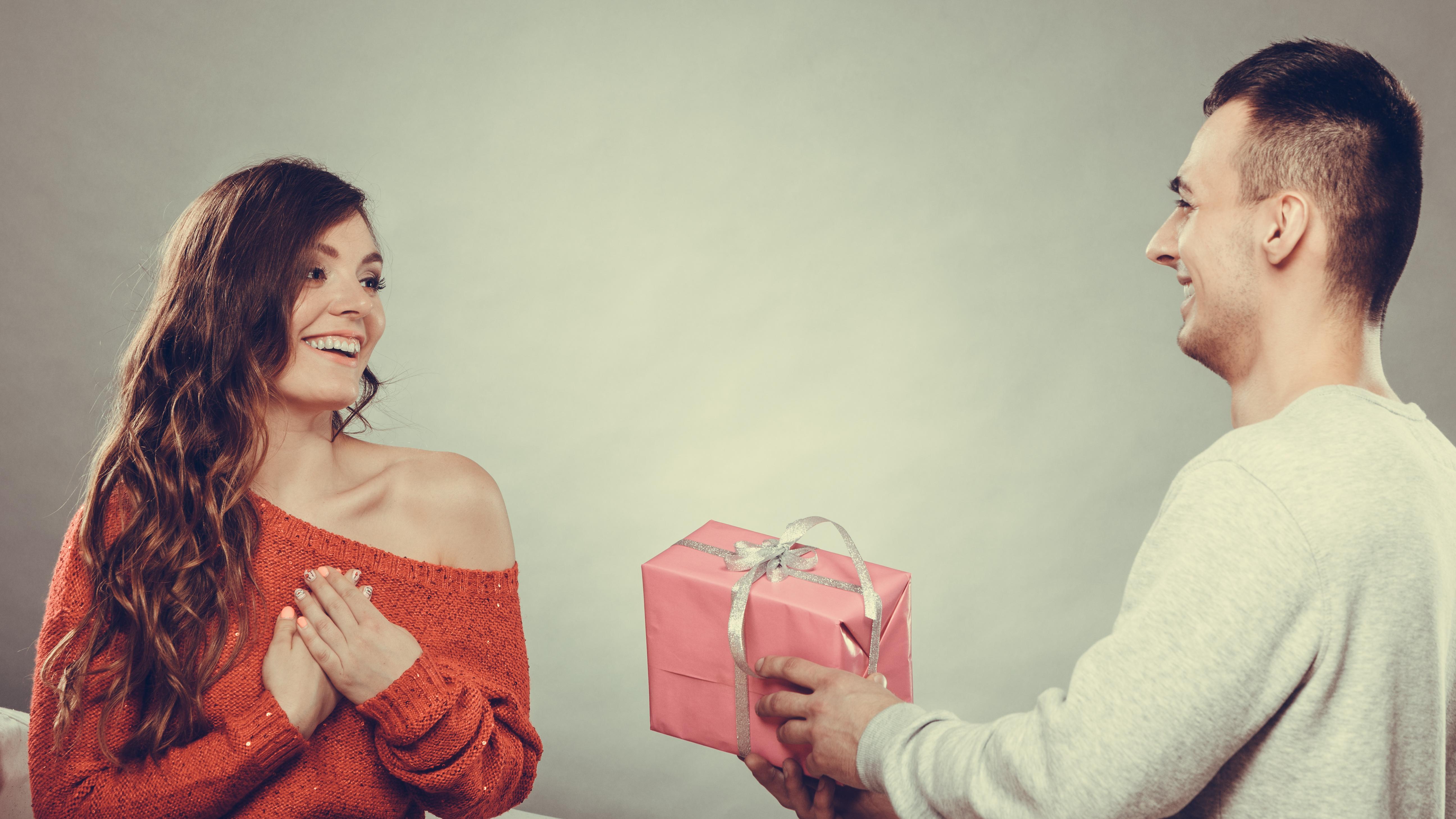 好きでいてくれてるか不安なら彼氏へプレゼントしてみて