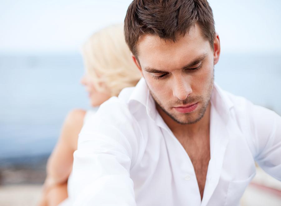 中途半端な愛情表現で彼氏を不安にさせてない?彼氏が不安になるNG行動