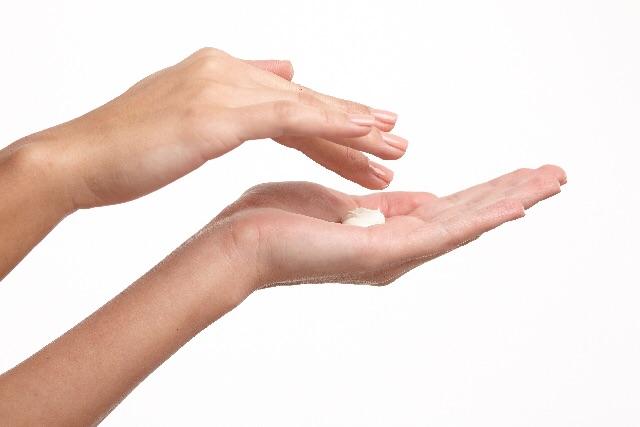 の 関節 黒ずみ 指 指の関節痛として考えられる7つの原因|ヘルモア