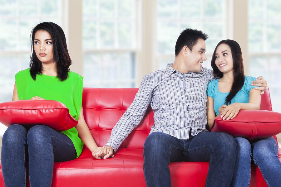 彼氏と女友達の関係…浮気のボーダーラインは?