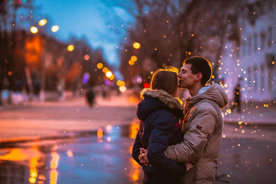 彼氏に「抱きしめたい」と言われた!男性が女性をハグしたいと思う瞬間とは