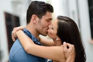 キスが好き?キスする場所でわかる彼の本音(唇)