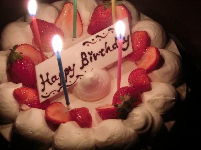 正直嬉しくない彼女からのプレゼント◆手作りのホールケーキ