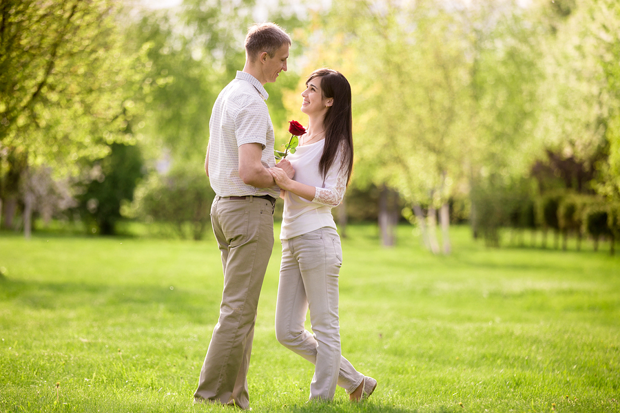 プロポーズしてもらうには女性が主導権を握る!?プロポーズされない対処法
