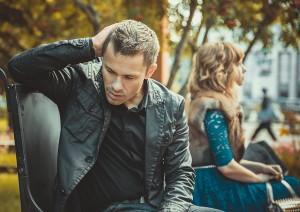 嫉妬深い性格を治す方法はある?
