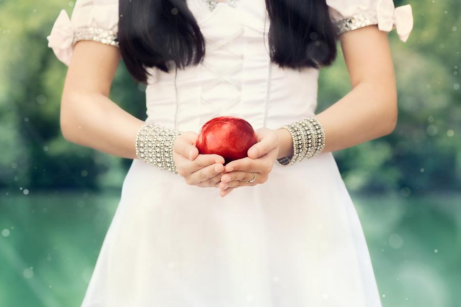 出会いは一瞬!白雪姫から学ぶ一目惚れを信じる方法