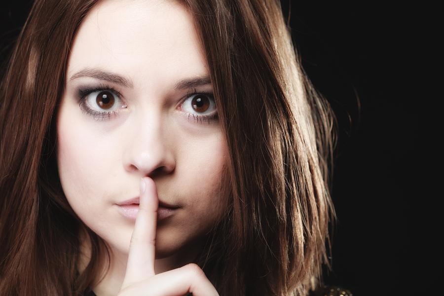 めんどくさい女の特徴⑩愚痴や噂話、陰口や悪口ばかり言う
