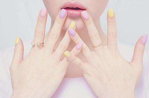 恋愛スピリチュアルジンクス⑫左手の薬指の爪に白い点