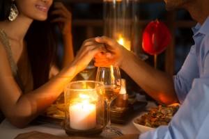 恋愛依存症の彼女の特徴:彼氏との予定は絶対最優先