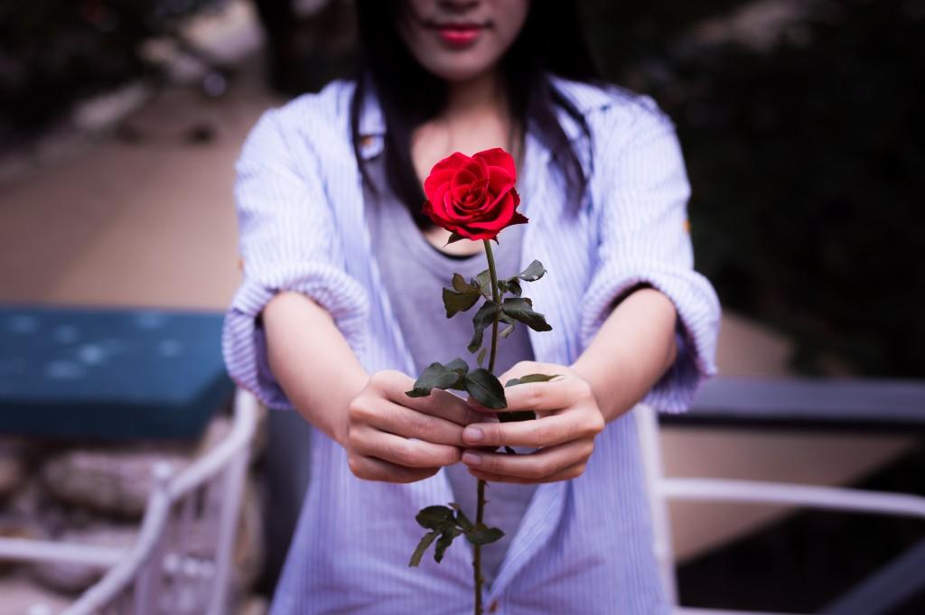 重たい女の特徴②彼氏には結婚の約束をさせたい誓約女