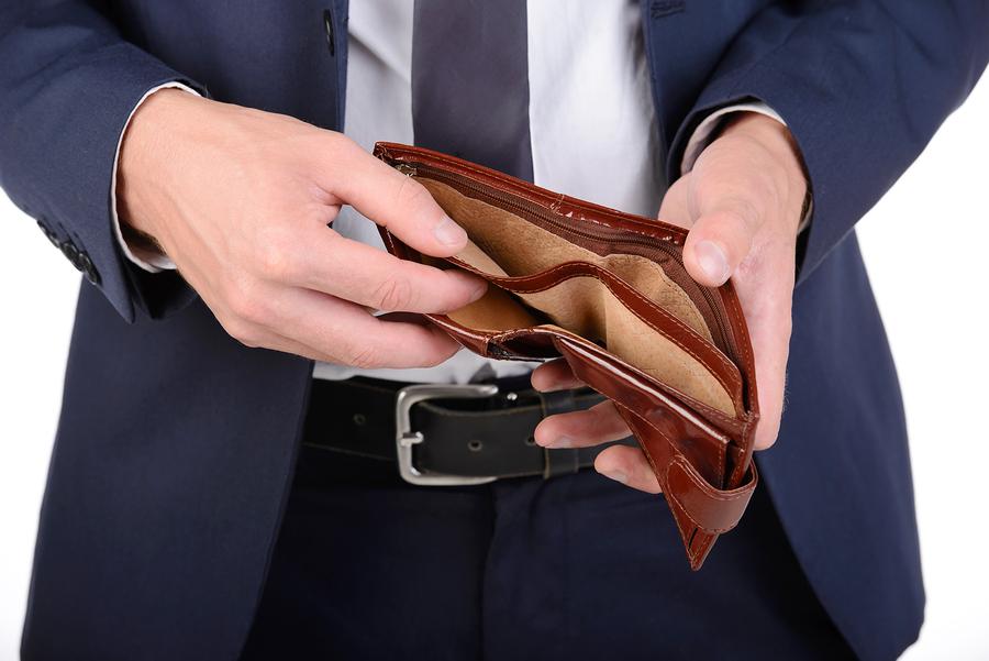 同棲カップルの喧嘩の原因■金遣いが荒い