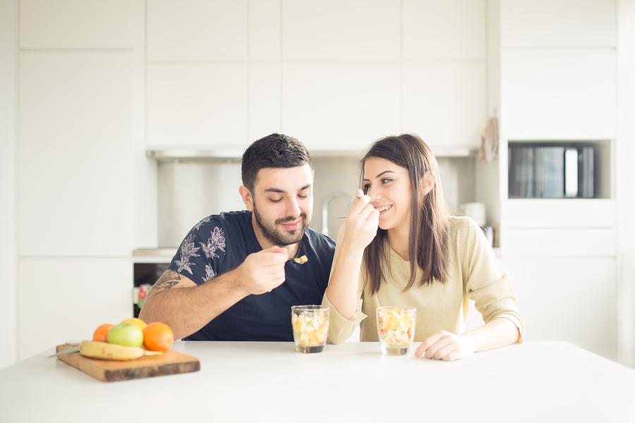 同棲の注意点⑧ご飯を一緒に食べる