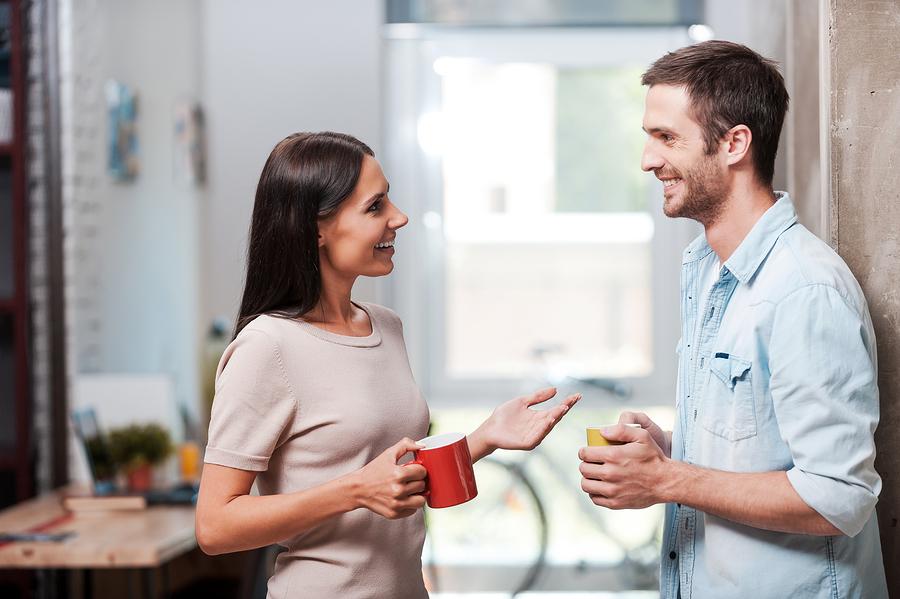 彼氏が無言…沈黙が気まずい…会話が続かないカップルが対処すべき方法