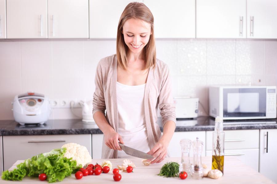 愛情表現少ない彼女★手料理を振舞ってあげる