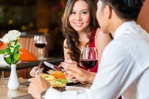 彼氏が一緒にいると落ち着く女性の特徴◆食べ物の好みが同じ