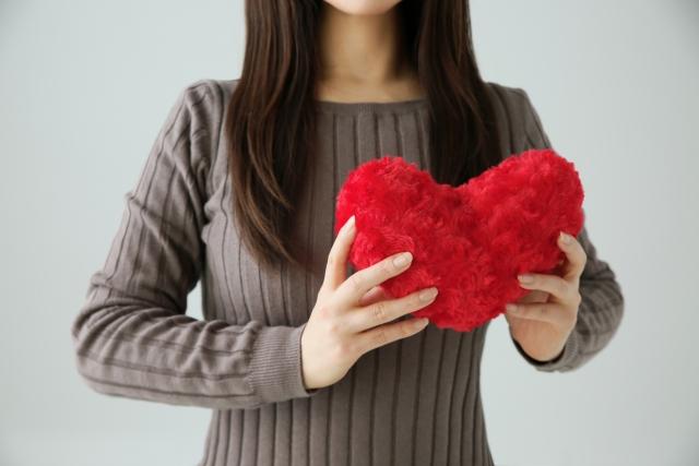 彼氏がいないと落ち着かない!恋愛に依存する女性の5つの特徴