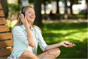 怒りをコントロールする方法④お気に入りの音楽を聴く