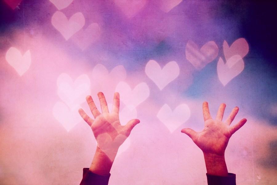 片思いの恋が叶うパワーストーン◆恋愛成就の効果があるパワーストーン5選♡