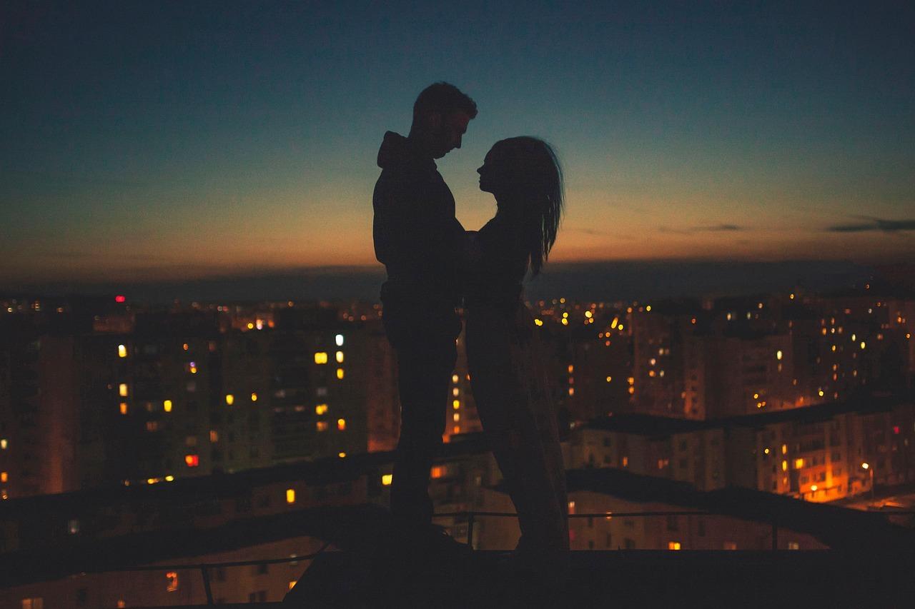 《恋愛タロット占い》私を好きになってくれる人はどんな男性か診断