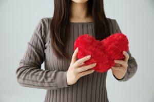 惚れっぽい女の特徴1.ストライクゾーンが広い