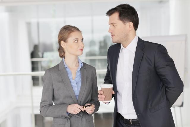 好き避けする女性の特徴!職場・LINEで好き避けする女性心理は?