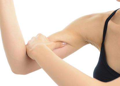 脂肪は移動しない!二の腕を細くしてバストアップする方法4選