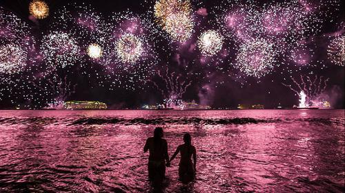 花火大会デートで愛を深めよう♡花火大会に誘うスマートなセリフ3選