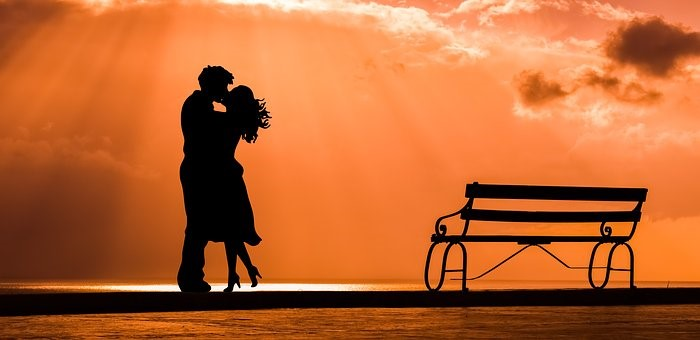 良いキスが持つすごい効果とは?キスマークをつける心理やつける場所の意味もご紹介!