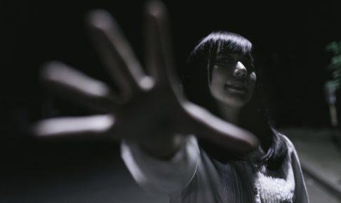 【危険】ストーカー女になってない!?ストーカーになりやすい女性の特徴4選