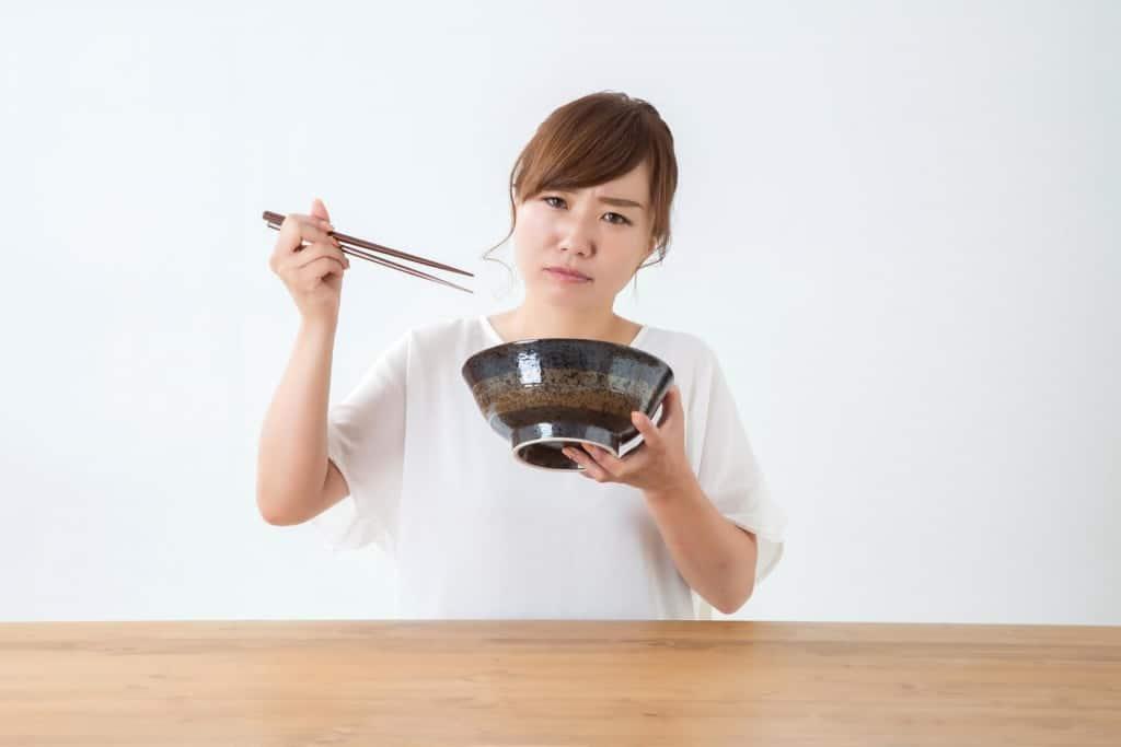 【夢占い】ムカデを食べる夢