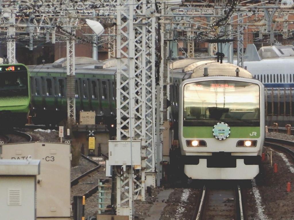 電車の夢が持つ基本的な夢占いの意味