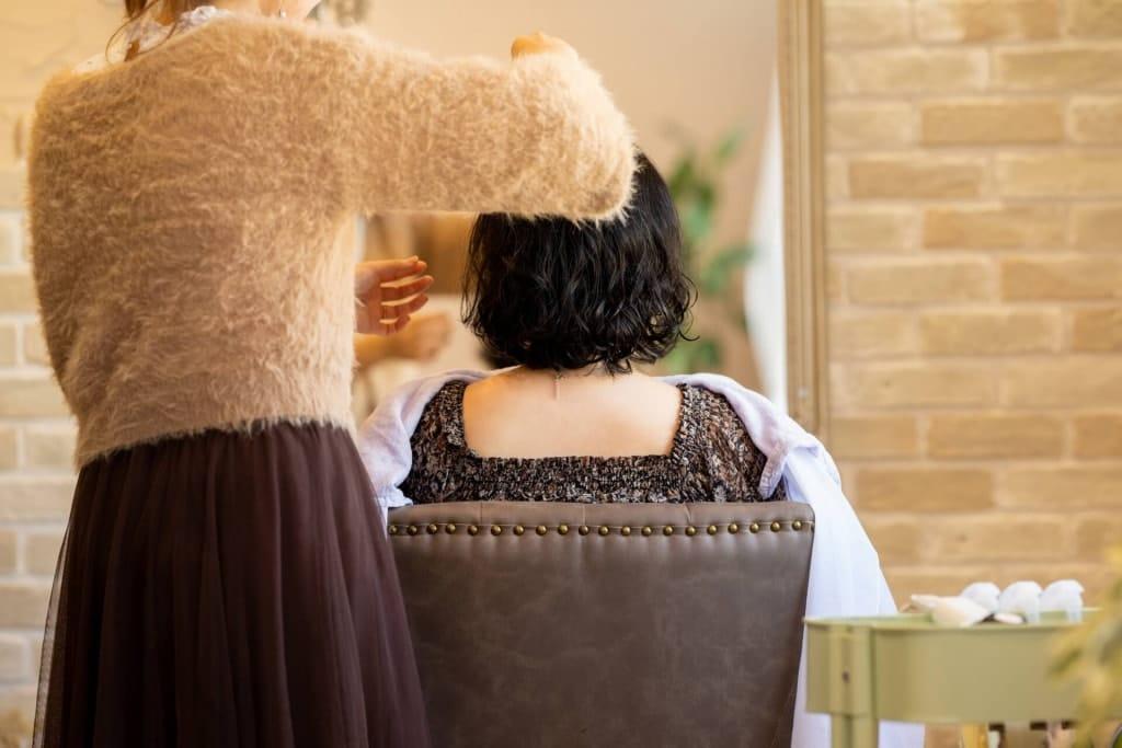 美容院へ行く頻度、髪の長さ別では?