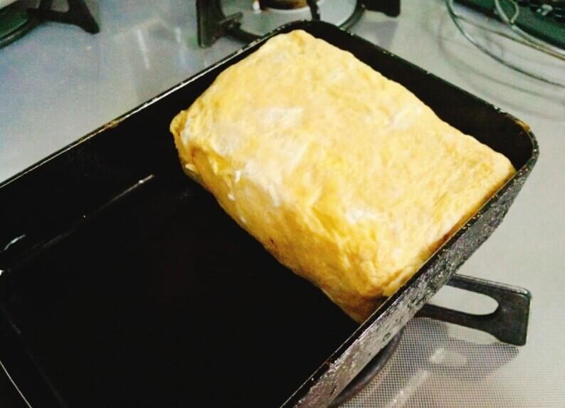 焼くときは卵焼き用フライパンを使う