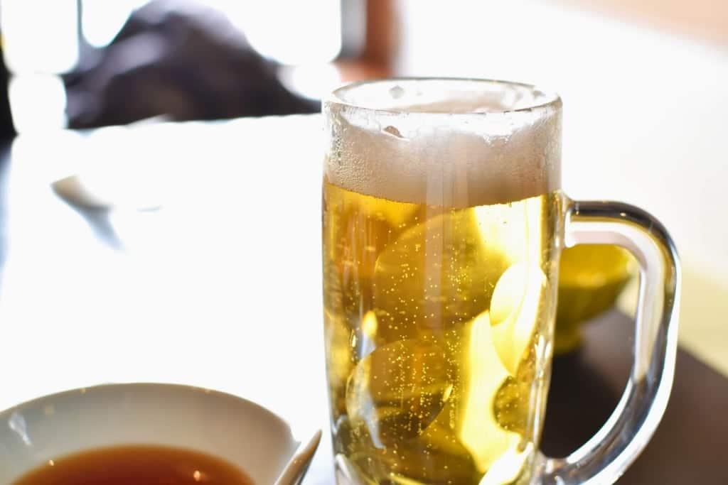 【夢占い】ビールを買う夢
