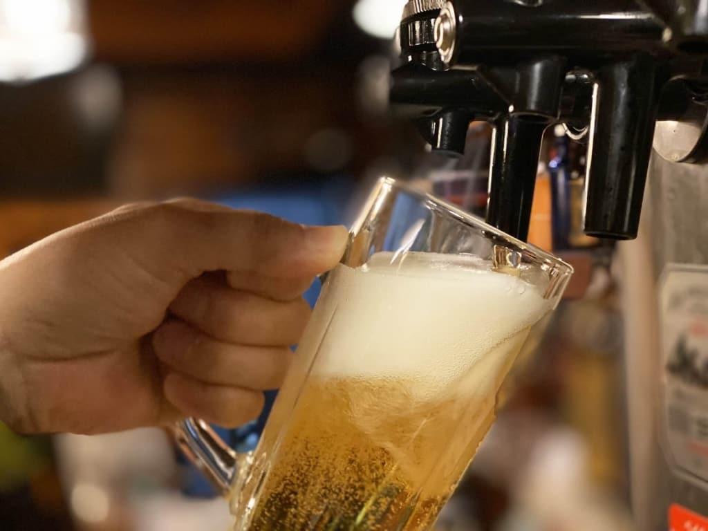 【夢占い】ビールサーバーから注ぐ夢