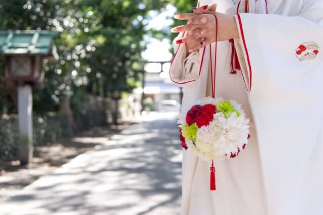 夢占い|神社で結婚式や葬式をする夢の意味