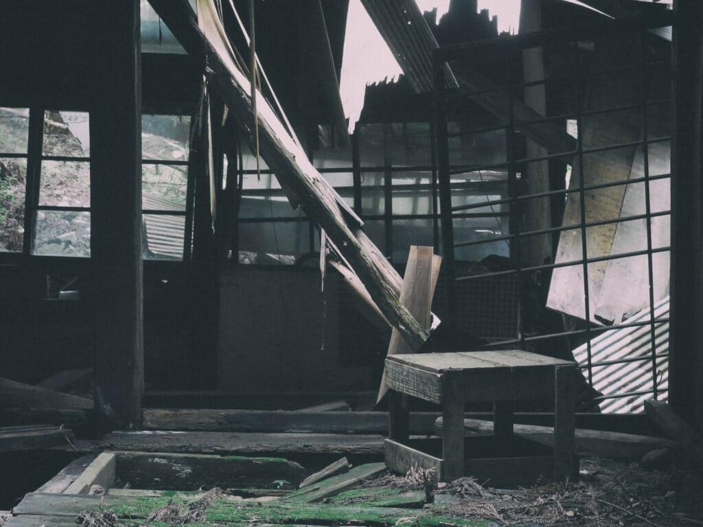 夢占い 家 壊れる