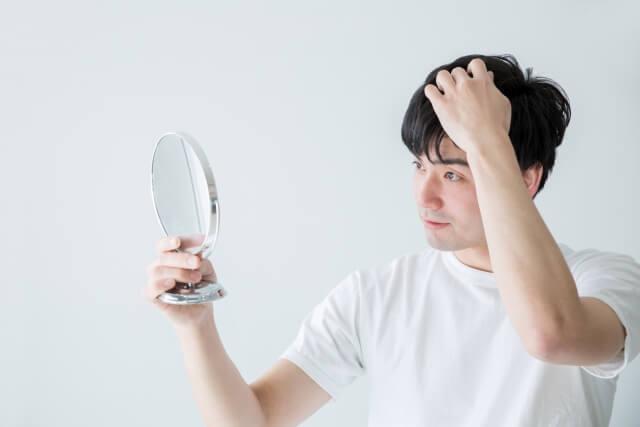 なぜハゲになるの?薄毛の原因と対策
