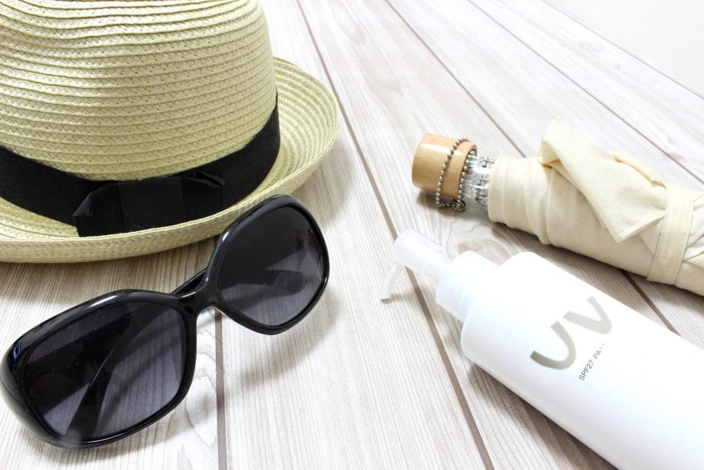 ほうれい線対策方法①日焼け止め、化粧品で乾燥、たるみのケア