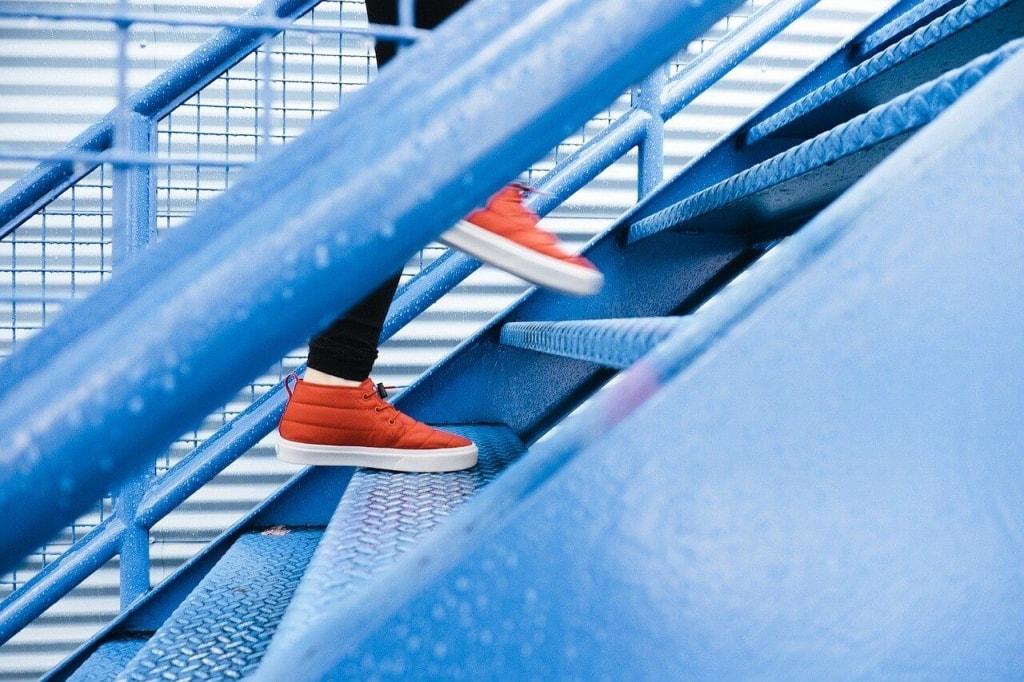恋愛スピリチュアルジンクス④上り階段でつまづく