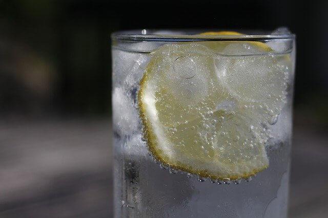 重曹レモン水の作り方