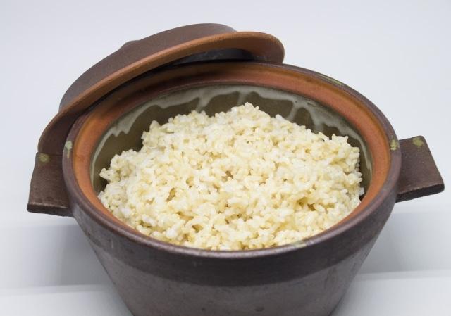 玄米のカロリー1合では?